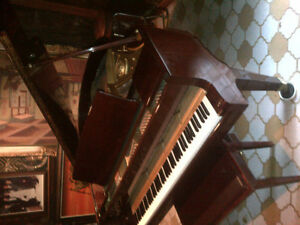 5' Baby Grand Piano