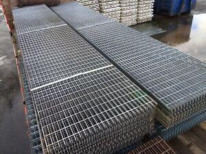 Floor Forge Walkway Galvanised  Steel Grating  6.000mtr  x 1.000 Mtr New 25mm de