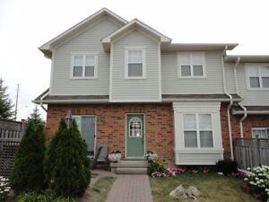 Gorgeous Meadowlands Executive 2BR Townhouse—Immediate