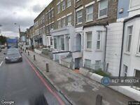 1 bedroom flat in Trinity Road, London, SW17 (1 bed) (#1193724)