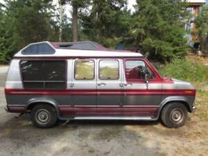 Beautiful 1989 Ford Econoline E 150 Campervan For Sale!