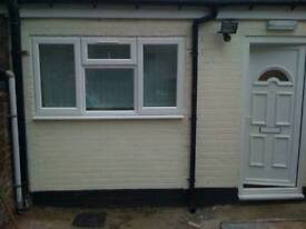 Single room with Single bed furnished all bills included in stoke near staffs university