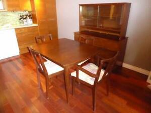 Maple Dining Room Set (Apartment Size)
