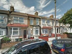 2 bedroom house in Patrick Road, London, E13 (2 bed)