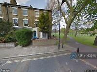 3 bedroom flat in Groombridge Road, London , E9 (3 bed)