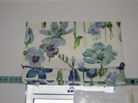 Roman blind (blues, green, white colourways); 151 cm long, 70 cm wide complete with fixing kit