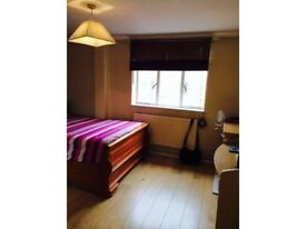 Available NOW! Spacious Double Room, Stratford Underground