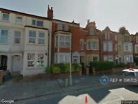 1 bedroom flat in Harlestone Road, Northampton, NN5 (1 bed)