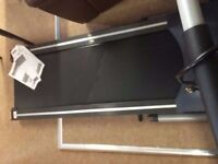 EXCELLENT CONDITION, pro fitness motorized treadmill, no incline, easy storage, safety key feature