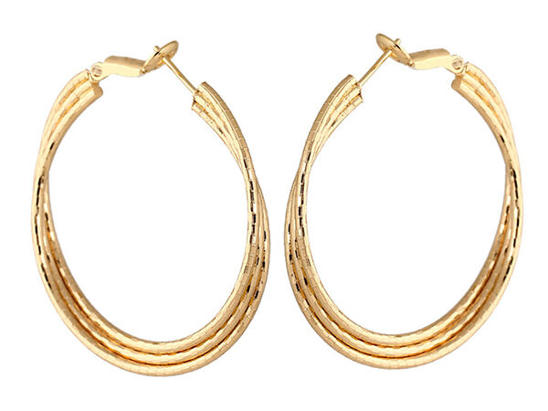 How to Buy Gold Hoop Earrings