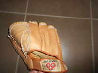 Leather baseball glove right hand size 11''