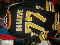 ***VINTAGE SIGNED RAY BOURQUE BOSTON JERSEY***