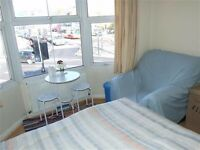 Furnished Spacious Double Bedroom on Lewes Road - With internet, water and council tax included!