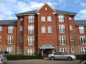 2 bedroom flat in Seaton Square, Mill Hill, NW7