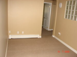 ALL-INCLUSIVE 3-BEDROOM APARTMENT - $1150/month Kitchener / Waterloo Kitchener Area image 3
