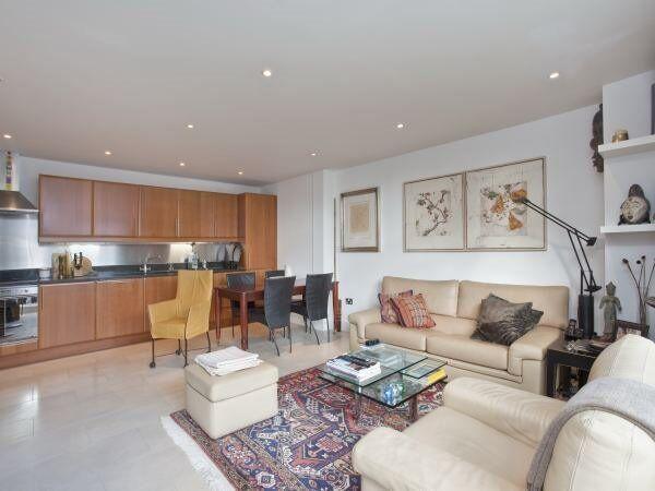 ( 2 ) Two bedroom Penthouse in Bridgegate House, London Bridge / Borough SE1 £595 pw Available June