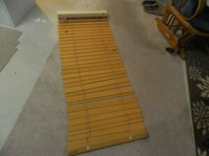 "Wood blind – Wood Slat Blind is (21.25""x 57.75"")"