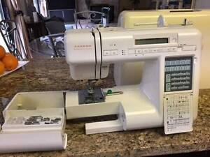 JANOME 4000 COMPUTERIZED SEWING MACHINE WITH COVER