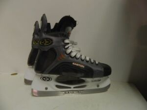 Young Man's Ice Skates size 7.5 Wide Easton Synergy 800c