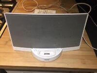 Bose Sound Dock series 2 - White & iPod Nano 1GB - Black