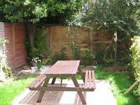 Furnished Room in Seven Sisters for Rent Excellent Links for Tube, Buses & Shops