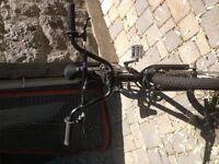 """BMX Haro avec """"pegs"""" roues 20 pouces"""