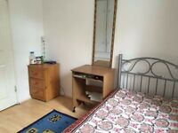 A FULLY FURNISHED SINGLE BEDROOM IS FOR RENT IN CANARY WHARF,MILE END,DEVONS ROAD, BOW COMMON LANE