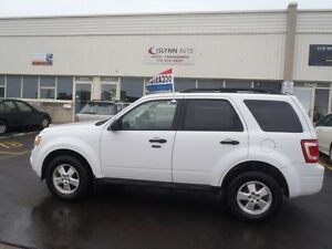 2010 Ford Escape XLT SUV, Crossover. 4WD. Automatic. AC.....etc