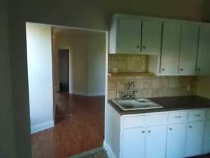 Clean bright  2nd floor 3bdr apt in the plateau near P Lafontain