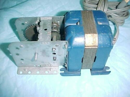 1958-1959 A C GILBERT ERECTOR SET PART A 49 ELECTRIC MOTOR ANNIVERSARY BLUE