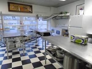 Cuisine Commercial à Louer/Commercial Kitchen for rent