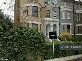 2 bedroom flat in Lordship Road, London, N16 (2 bed) (#897879)