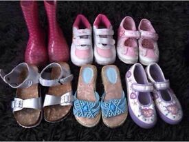 6 pairs of girls shoes size 10