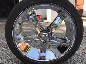 """Devino 762 22"""" Chrome Wheels with Triangle Tires with 95% Tread"""