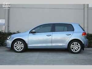 2010 Golf Sport 2.5L Comfortline model with Sunroof