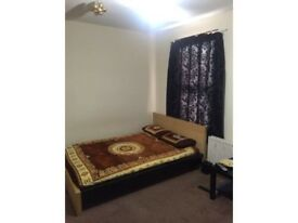 King size bedroom/ double room/ room to share