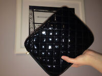 iPad Case Quilted Lacqued Black Pouch FOREVER 21
