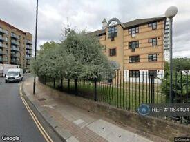 1 bedroom flat in Plough Way, London, SE16 (1 bed) (#1184404)