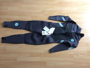 2016 NP Serene 5/4/3 back zip wetsuit, size 12 Gatineau Ottawa / Gatineau Area image 3