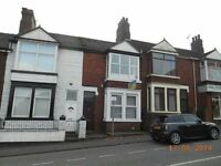 **LET BY** 1 BEDROOM PROPERTY - SMALLTHORNE-GAS/ELECTRIC INCLUDED-LOW RENT-DSS ACCEPTEDD-NO DEPOSIT