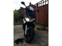 GILERA RUNNER 125ST WITH LOCKS AND ROOF BOXER HELMET £1900 ono