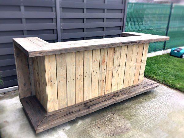 Outdoor pallet style bar in shepperton surrey gumtree for Meuble patio palette