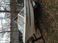 Great family boat for skiing and fishing