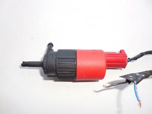 Volvo/Toyota/Saturn 1987-2005 Windshield Washer Pump  30899624