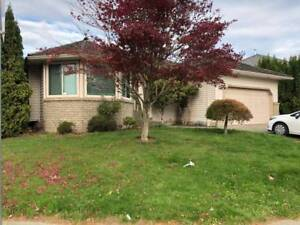 2100 / 3br - 1800ft2 - Beautiful executive style house for rent