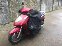 2006 Honda dylan 125cc Scooter. Learner 125 cc moped. Needs minor repair.