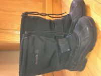 KAMIIK BLACK SIZE 8 WINTER BOOT