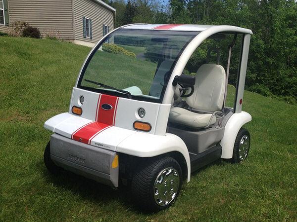 Top-5-Golf-Carts- Types Electric Golf Carts on ezgo carts, electric push cart, electric 4 wheelers, electric deer cart, luxury carts,
