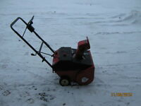 SMALL SNOWBLOWER