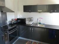 3 bedroom flat in Victoria Wharf, Cardiff, CF11